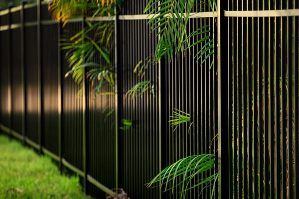 Aluminum fence in Oakland Park