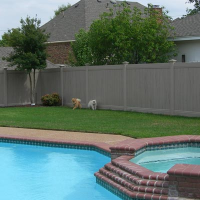 Plantation vinyl fence installation